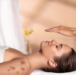 SPA_VISUAL_FACE_MASSAGE_WOMAN_LD